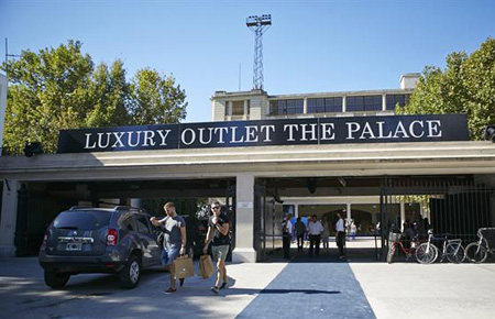 The Palace Fashion Luxury Outlet